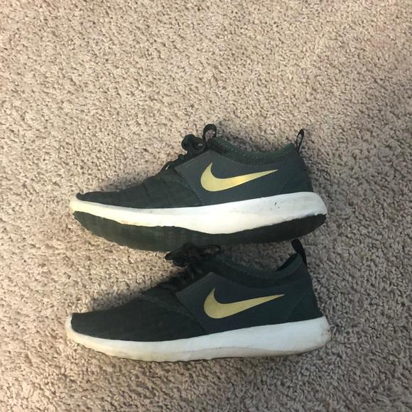 Nike Shoes - Nike Free Tennis Shoes